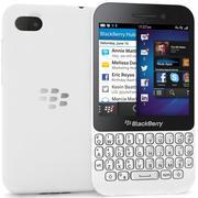 BlackBerry Q5白色 3d model
