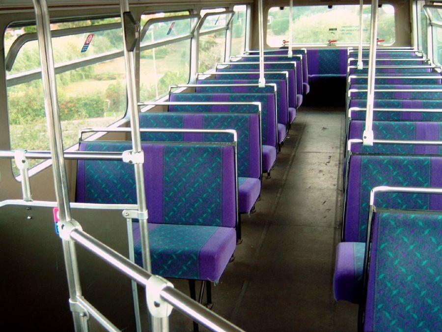 Ônibus Double Decker Arriva dos anos 80 royalty-free 3d model - Preview no. 6
