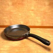 Poêle à frire usée à la poêle 3d model