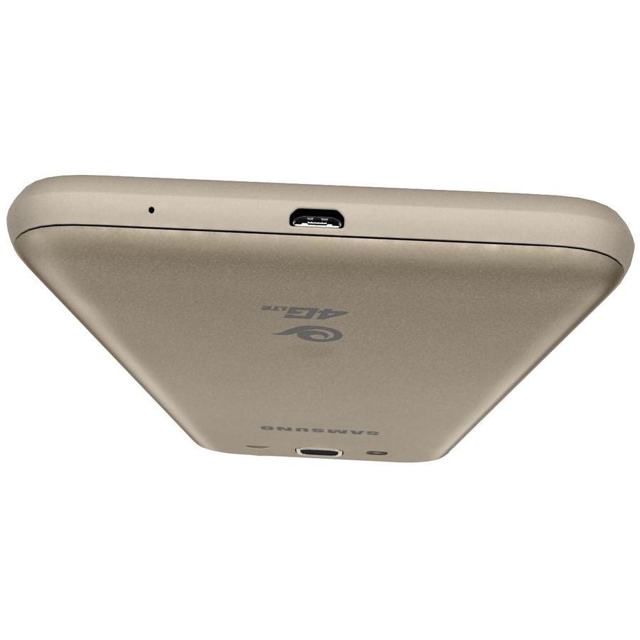 三星Galaxy J3 Gold royalty-free 3d model - Preview no. 16