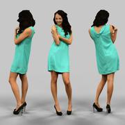 Femme en robe verte 3d model