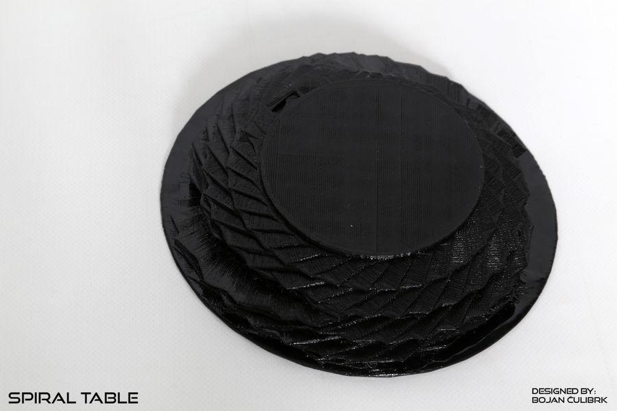 Table en spirale en cristal royalty-free 3d model - Preview no. 3