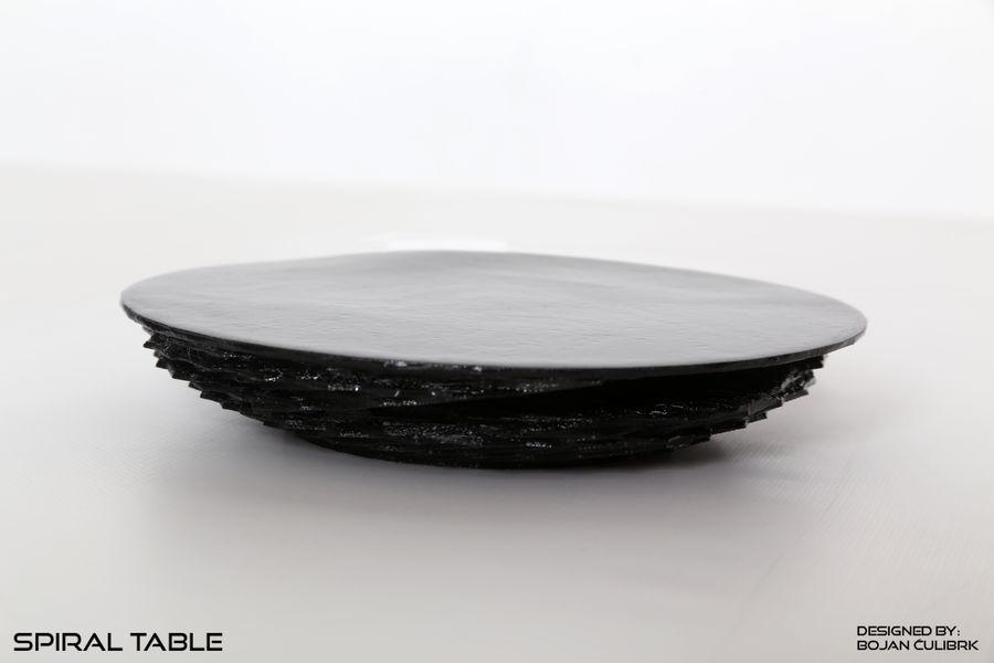Table en spirale en cristal royalty-free 3d model - Preview no. 2