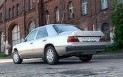 梅赛德斯·奔驰W124 300D 1992 3d model