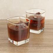 Szklanka whisky z lodem 3d model