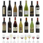 14本のボトルと12の異なるワイングラス、トレイ、ワインホルダー\スタンドのワインセット(Vrayとコロナレンダリング) 3d model