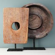 Sculptures en bois de teck sur pied 3d model