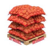 Patate in sacchi di tela rossa sul pallet 3d model