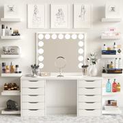 Toalettbord med kosmetika för lady 3d model