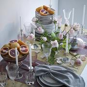 ピンクのバラとグレープフルーツのテーブルセッティング 3d model