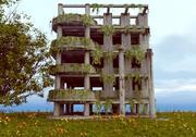 破損した古い放棄された建物の黙示録 3d model