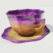 Tazza da tè e piattino smaltati viola 3d model