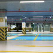 Realistisk underjordisk parkering 3d model